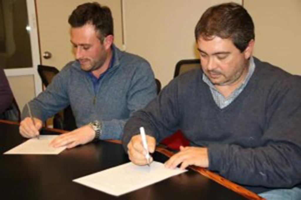 El municipio de 25 de Mayo y la Cooperativa Eléctrica de Norberto de la Riestra firmaron convenios